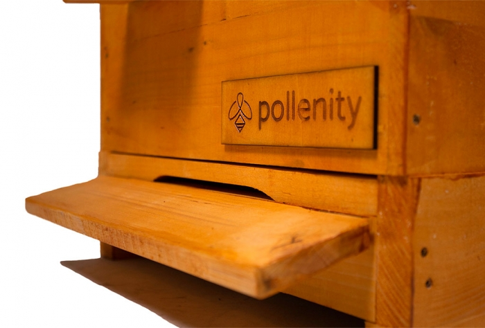 uHive - bee hive box by Pollenity detail frame
